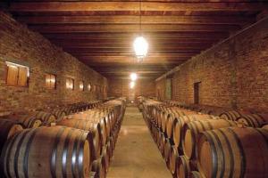"""In 10 anni l'export di vino italiano è cresciuto del 69% in valore. Ma sui prezzi medi siamo ancora indietro. L'analisi di """"Wine Marketing - Scenari, mercati internazionali e competitività del vino italiano"""" 2018, by Wine Monitor. Focus - La Toscana"""