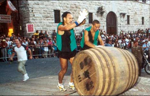 A Montepulciano E Festa Alla Corte Del Nobile Con Un Prologo Di