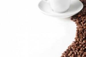 """Caffè, in Norvegia la """"tazzina"""" più cara: 4,5 euro. In Italia, dove il 97% delle persone ne beve almeno uno al giorno, costa 1,03 euro, ma appena il 23% viene consumato al bar. In testa ai consumi la Finlandia, a quota 11,4 chili all'anno a persona"""