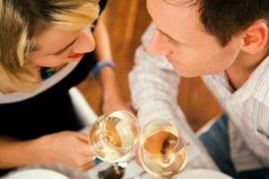 Più è lungo il matrimonio più i gusti dei partner si assomigliano: lo dice uno studio dell'Università di Breslavia, in Polonia, che ha fatto respirare odori e assaggiare sapori a 100 coppie, sposate da un periodo che varia dai 3 mesi ai 45 anni