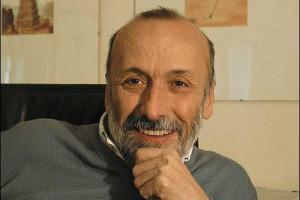 """L'INTERVENTO - IL PRESIDENTE DI SLOW FOOD, CARLO PETRINI: """"SALVAGUARDARE PER TRASMETTERLE TUTTE LE CONOSCENZE CONTADINE E ARTIGIANALI CHE TROPPO SPESSO ARCHIVIAMO COME DESUETE, NON MODERNE, E CHE DIMENTICHIAMO CON TROPPA LEGGEREZZA"""""""
