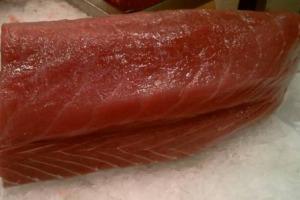 Gli chef nipponici Haruo Ichikawa e Lorenzo Lavezzari si aggiudicano la Tuna Competition al Girotonno 2017, kermesse internazionale sulla cucina del tonno, sbaragliando gli chef avversari arrivati da 5 Paesi. Ai vincitori anche il premio originalità