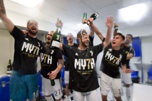 La Juventus dei record brinda al settimo scudetto consecutivo con le bollicine Ferrari Trentodoc