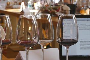 Il racconto e la comunicazione del vino, dai territori ai mercati, nelle parole di due wine writer d'eccezione, protagonisti a Collisioni, il Festival Agrirock di scena a Barolo: Ian d'Agata, curatore del Progetto Vino, e Antonio Galloni (Vinous)