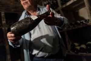 Ad Arbois (Giura) una bottiglia di Vin Jaune del 1774 è stata battuta a 103.700 euro