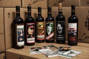 6 mesi di carcere per aver collezionato vino (e altri cimeli) con etichette dedicate al Nazismo