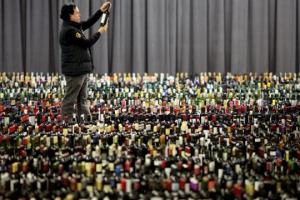 L'Italia del vino, dicono tutti, ha nella sua grande varietà di vini da vitigni autoctoni la sua forza. Ma i mercati del mondo, dai più maturi a quelli più inesperti, sono davvero pronti a conoscerla e capirla? La parola a chi li vive ogni giorno