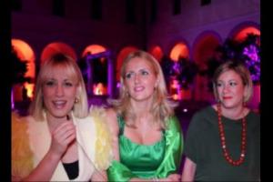 Le donne sempre più protagoniste del mondo del vino: ecco Dominga, Enrica e Marta, figlie di due personaggi top dell'enologia del Belpaese, Riccardo e Renzo Cotarella, pronte a prendere le redini dell'azienda di famiglia, Falesco