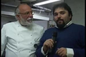 Mancano davvero poche ore a Natale, e perché sia tutto perfetto bisogna partire dalla tavola, con i consigli, a base rigorosamente di pesce, di uno dei miglior i chef d'Italia, Luciano Zazzeri, della Pineta di Marina di Bibbona