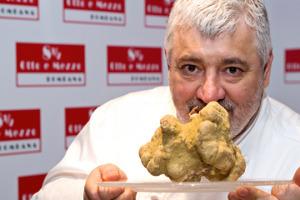 """Tra Italia e Asia, lo chef Umberto Bombana, unico italiano tristellato Michelin all'estero, con il mitico Otto e Mezzo Bombana di Hong Kong, al n. 60 della """"World's 50 Best Restaurants"""" 2017 si racconta a WineNews"""