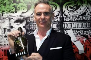 Alessandro Ceci e lo street artist Flavio Campagna Kampah hanno deciso di rappresentare il Lambrusco della cantina emiliana all'expo 2015, partendo dalla parola italiana più famosa al mondo