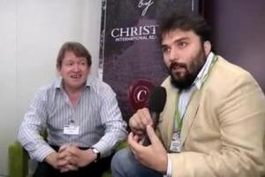 """''La frenata dei Bordeaux nelle grandi aste internazionali rappresenta l'occasione giusta per far capire ai collezionisti la grandezza di altri vini, e anche l'Italia può sfruttare il momento"""". Così David Elswood della casa d'aste Christie's''"""