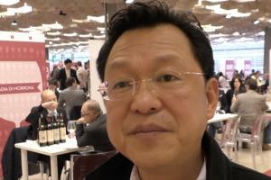 Buone notizie dall'Asia i produttori del Belpaese: il vino italiano, soprattutto di fascia medio alta, è sempre più apprezzato, tanto nei mercati più grandi che in quelli più piccoli. A WineNews, da Buy Wine, lo dicono diverse testimonianze