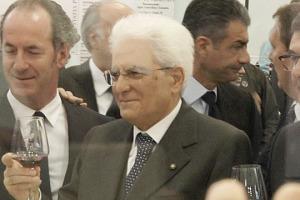 """Il tributo del Presidente della Repubblica Sergio Mattarella al vino del Belpaese, """"che rappresenta l'Italia ed è cresciuto molto grazie al lavoro dei produttori che hanno guidato il cambiamento, accompagnati da Vinitaly"""""""