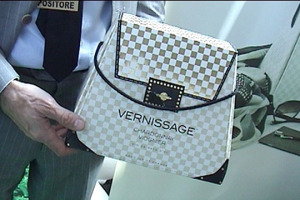 "Il packaging ormai è un ingrediente fondamentale del wine & food di successo. Dal workshop ""Cipa"" 2014, ""Diamo valore al contenitore"", tante case history e pareri autorevoli. Da Simonetta Doni (Doni Associati) a Gigi Mozzi (Media Marketing)"