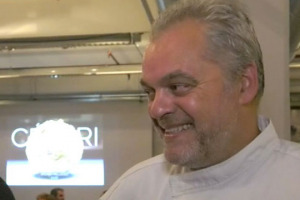 """Xavier Pellicer, chef catalano due stelle Michelin, ha una visione della cucina diversa dal solito: nel suo """"Celerì"""", a Barcellona, il mondo vegetale è preponderante nel piatto, con la precedenza a prodotti biologici, biodinamici e naturali"""