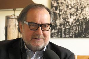 A WineNews l'enologo più famoso del mondo, Michel Rolland, che in Italia ha lavorato con diverse griffe, da Masseto a Caprai, da Ornellaia a Monteverro. Tra passato, presente e futuro, parlando di terroir, biologico, barrique, cambiamenti climatici