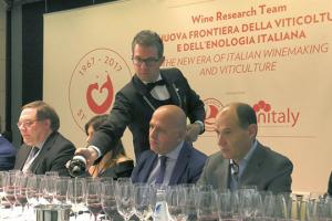 """""""La scienza è la madre del vino di qualità, più sostenibile per ambiente e consumatori"""", e """"fondamentale che le aziende si mettano insieme per fare ricerca seria"""": i messaggi della degustazione del Wine Research Team, che ha chiuso Vinitaly"""