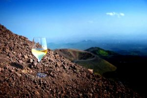 "Volcanic Wines of Italy, towards ""zoning"" with the Italian Geological Society"