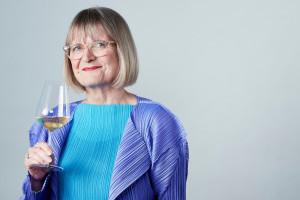 Un calice per assaggiarli tutti: il bicchiere da vino pensato dalla Master of Wine Jancis Robinson