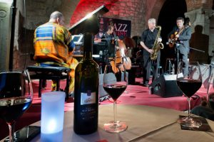 Grandi vini e musica d'autore, torna il Festival pioniere del genere: Jazz & Wine in Montalcino