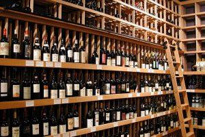Il paradosso del mercato italiano del vino ancora croce e delizia per tutti i produttori