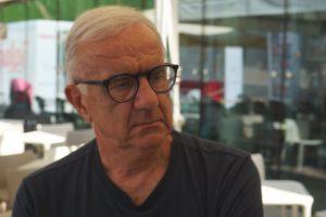 Niente politica, niente calcio, si parla di vino: a WineNews uno dei comici più amati, Gene Gnocchi