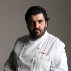 Antonino Cannavacciuolo alla ricerca del piatto perfetto per festeggiare 20 anni di Gavi Docg
