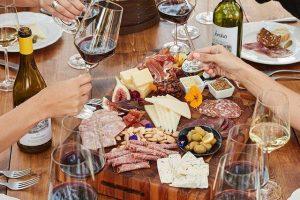 Il vino più bevuto in Usa è lo Chardonnay, il più amato lo Zinfandel, i consumi volano a tavola