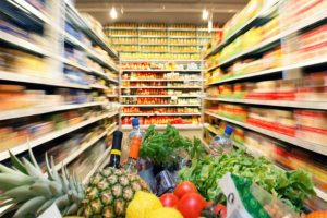 Istat, boom dei prezzi allo scaffale nel carrello a luglio: +2,2%, pesano i rincari degli alimentari