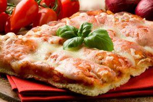 Tra pizza e take away, più 6.000 nuove imprese aperte in Italia in 5 anni, Lombardia in testa