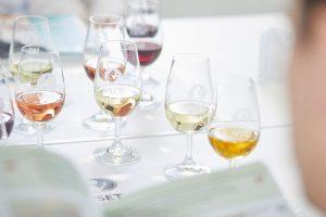 Cresce la domanda di formazione sul vino nel mondo, Cina primo mercato: così il Wset