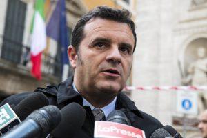 """Niente bollino nero su etichette made in Italy: """"l'Onu è tornata sui suoi passi"""". Così Centinaio"""