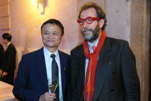 Jack Ma lascia Alibaba, punto di riferimento per il commercio online in Cina anche del vino italiano