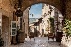 Terra Madre, Petrini sull'abbandono dei borghi italiani: lettera aperta del presidente Uncem