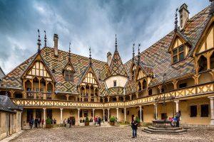 """Grandi vini e beneficenza, il 18 novembre è di scena la """"Vente des vins des Hospices de Beaune"""" 158"""