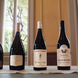 """I vini """"Sole"""", i migliori assaggi, i 17 """"Grandi Esordio"""" ed i Super Tre Stelle: i vini di Veronelli"""