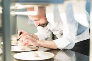 """Niko Romito, il re del Gambero Rosso. Lo chef abruzzese n. 1 della guida """"Ristoranti d'Italia 2019"""""""