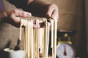 """Alla vigilia del """"World Pasta Day"""", i numeri del settore e le tendenze tra salutismo e grani antichi"""