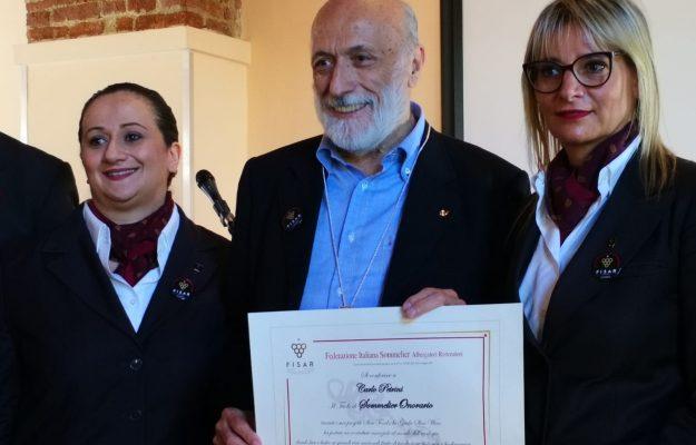 """""""Il vino va oltre il berlo ed il raccontarlo"""": così Carlo Petrini, """"sommelier onorario"""" Fisar"""