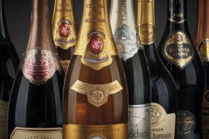 I grandi Champagne e Franciacorta, i rossi di Bordeaux, Piemonte e Toscana all'asta Bolaffi a Torino