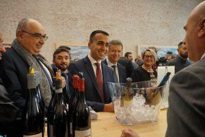 """Sassicaia 2015 n. 1 per """"Wine Spectator"""", il vicepremier Luigi di maio: """"orgoglio d'Italia e Europa"""""""