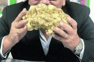 Il tartufo più grande del mondo, da un chilo e 150 grammi, a Dubai per 50.180 dollari