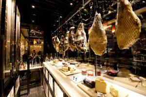 Italia e Cina, incontro enogastronomico nei piatti e nei calici dell'8 e mezzo Bombana di Shanghai