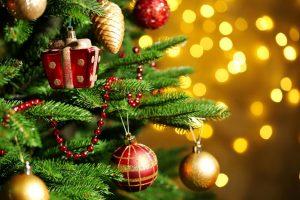 Quanto si spenderà a Natale? Per Confesercenti il 7% in meno, per il Codacons il 2,5% in più
