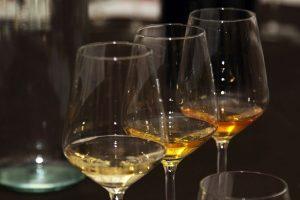 Tradizione contadina, rinnovata dai vignaioli naturali, gli Orange Wine debuttano in un Salone