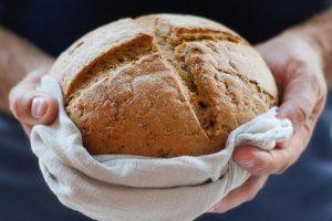 1.200 chili di alimenti raccolti per gli indigenti a Roma, l'iniziativa di don Antonio Pompili