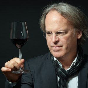 """James Suckling: """"Online tasting can replace in person ones, which, however, will not disappear"""""""