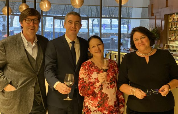 CRITICA, Michelin, MONICA LARNER, PLANETA, THE WINE ADVOCATE, vino, Mondo