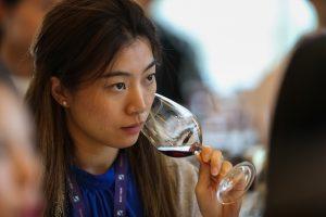Il mercato del vino di Cina evolve, l'Italia ci scommette ancora, tra formazione e social